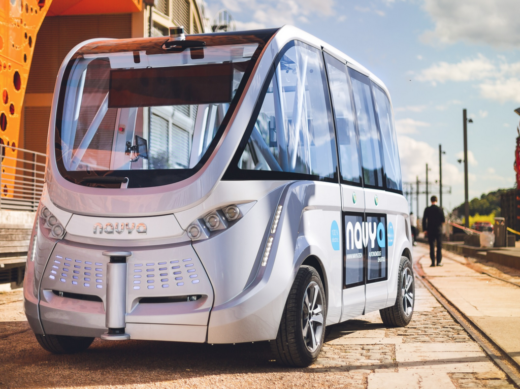 First Fully Autonomous, Driverless Public Transport Travels 28 MPH